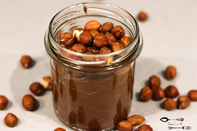 śniadania, przekąski, domowa nutella, krem czekoladowy, zdrowy krem czekoladowy, krem z awokado, krem czekoladowy z banana, krem czekoladowy na kanapkę,