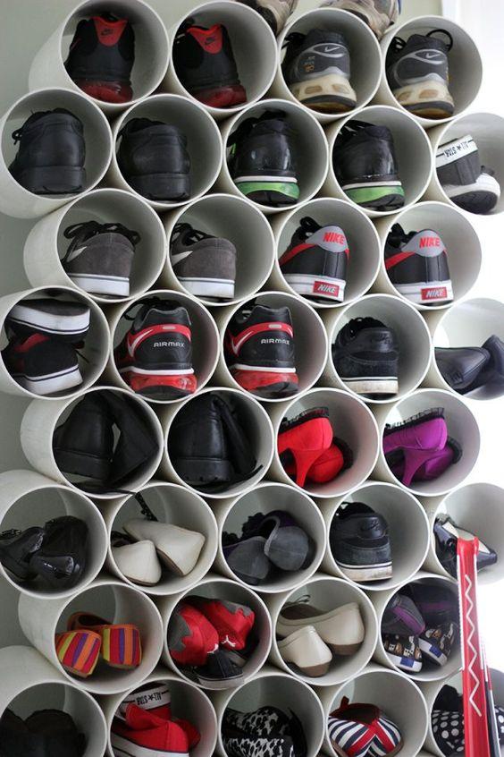 Ordena tus zapatos en tubos de pvc