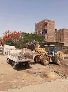 الوحدة المحلية لمركز ومدينة المنيا : حملة لصيانة أعمدة الإنارة ورفع المخلفات بقري المنيا