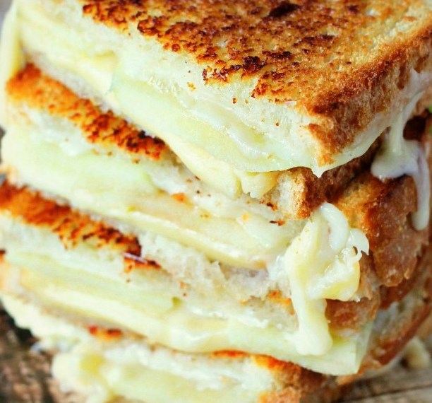 Apple Grilled Cheese #meals #deliciousrecipe