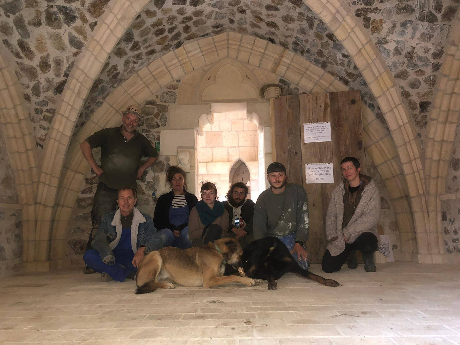 medieval building, volunteering, voluntouring, hospitality exchange, food and accommodation, team, construction
