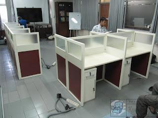 Meja Sekat Partisi Kantor Semarang Jawa Tengah  Meja Kubikel Bongkar Pasang