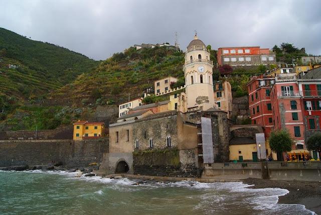 Igreja Santa Margherita di Antiochia em Vernazza