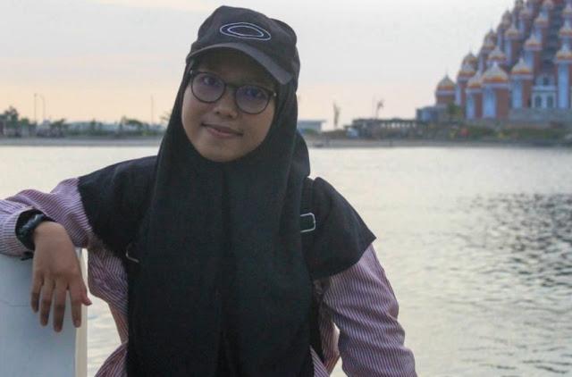 Fahira Arsyad (Aktivis Back to Muslim Identity)