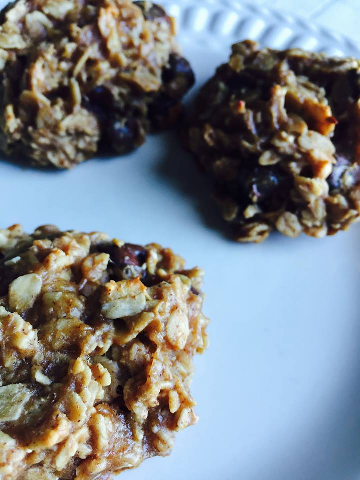 Healthy banana oat chocolate chip cookies keats eats a lot of times i will look for a healthy recipe that yields a great tasting result and a lot of times that search and experiment comes to no avail forumfinder Images