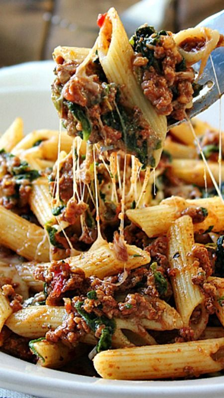 Slow Cooker Beef and Cheese Pasta #recipes #dinnerideas #foodideas #foodideasfordinnereasy #food #foodporn #healthy #yummy #instafood #foodie #delicious #dinner #breakfast #dessert #lunch #vegan #cake #eatclean #homemade #diet #healthyfood #cleaneating #foodstagram