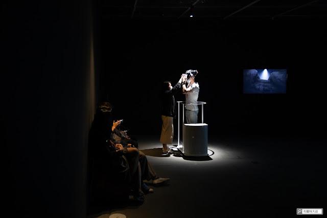 【大叔生活】來台北當代藝術館,更新一下你的藝術敏銳度! - 現場有許多 VR 虛擬實境的體驗,不過請參觀者多預備些時間