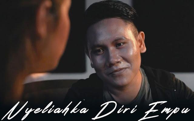 Lirik lagu Jeffry Tegong Nyeliahka Diri Empu