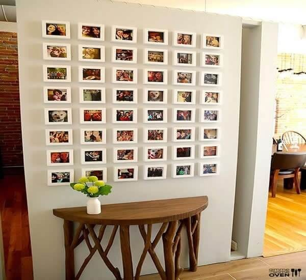 Bet on a photo frame with wall stickers