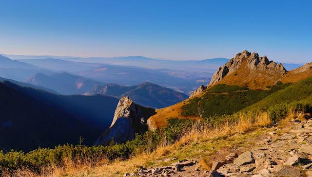 Złota godzina tatrzańską jesienią