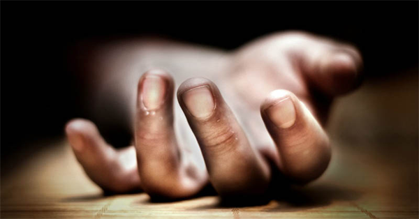 Thiruvananthapuram, News, Kerala, Top-Headlines, Death, Mobile Phone, Youth, Hospital, Injured, House, man died after fell from second floor of house