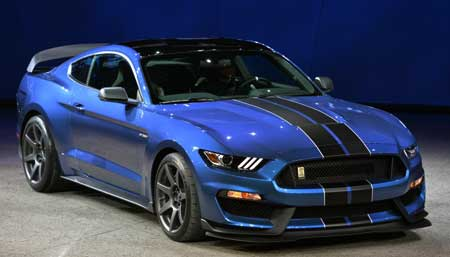 2017 Mustang Shelby GT350 Using Dual-Clutch Automatic Transmissions