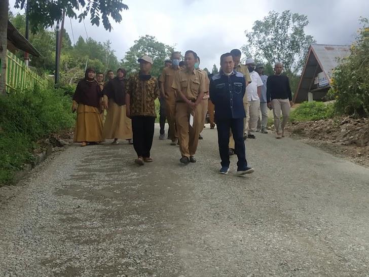 Wali Kota Sungai Penuh Asafri Jaya Bakri Pantau Pembangunan Jalan SMP IT Amanah