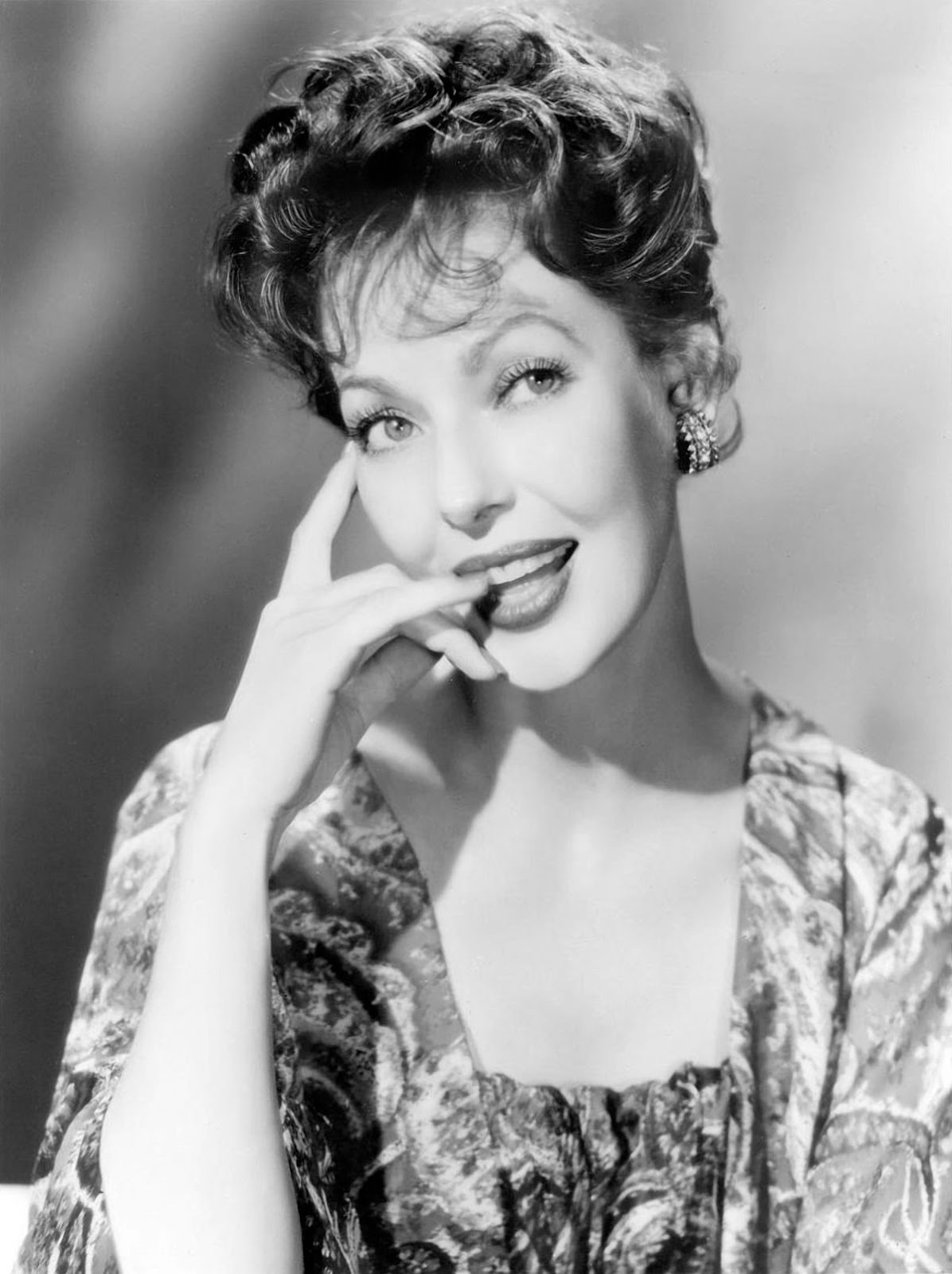 30 Stunning Black And White Photos Of Loretta Young From
