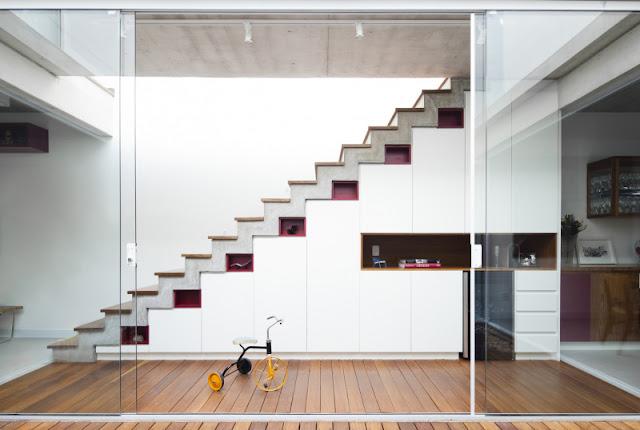Ngỡ ngàng với các thiết kế cầu thang độc đáo tận dụng tối đa không gian