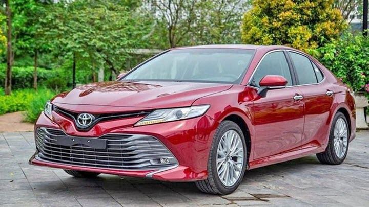 VinFast Lux A2.0 tiếp tục vượt doanh số Toyota Camry tại Việt Nam