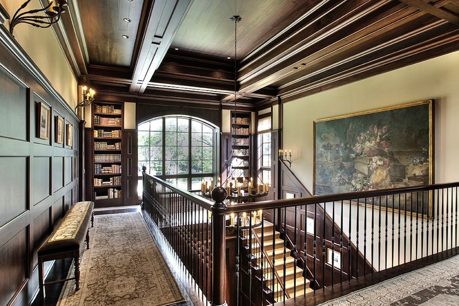 Old World, Gothic, and Victorian Interior Design: Old