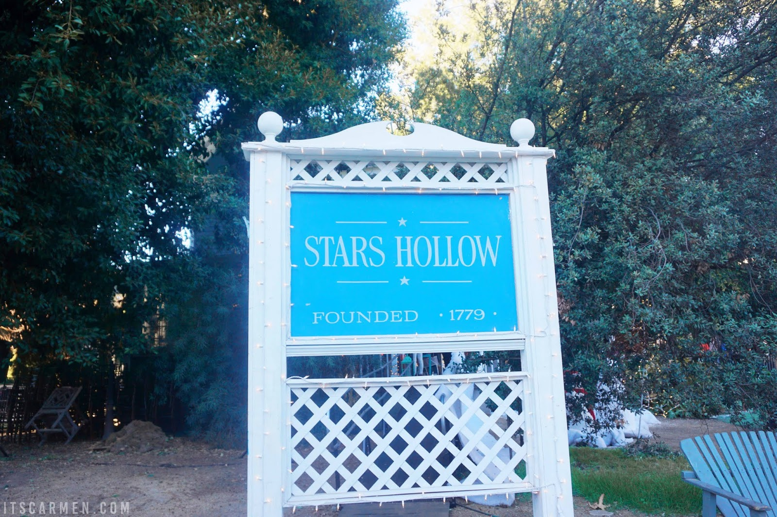 Visiting the Gilmore Girls Location: Where Was Gilmore Girls Filmed? Where Is Stars Hollow? Stars Hollow sign