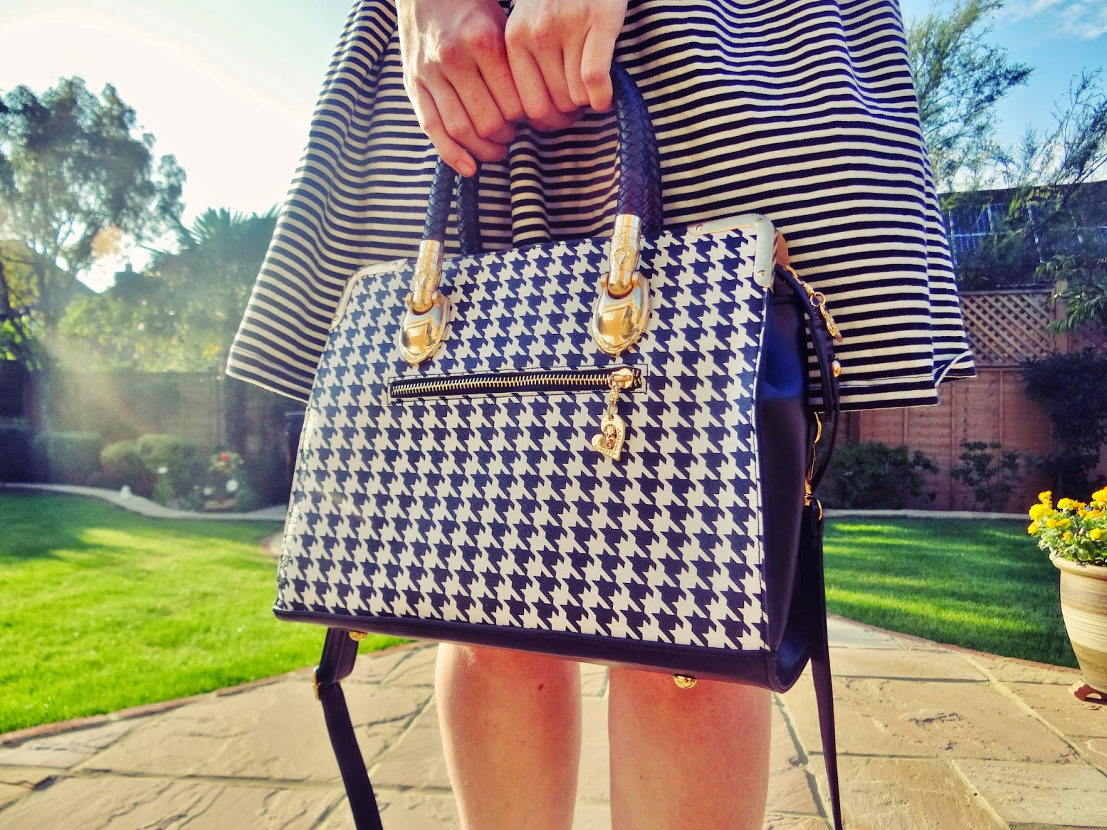 houndstooth handbag gold black white straps