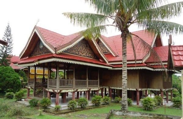Gambar rumah adat Jambi (Panggung Kajang Leko)
