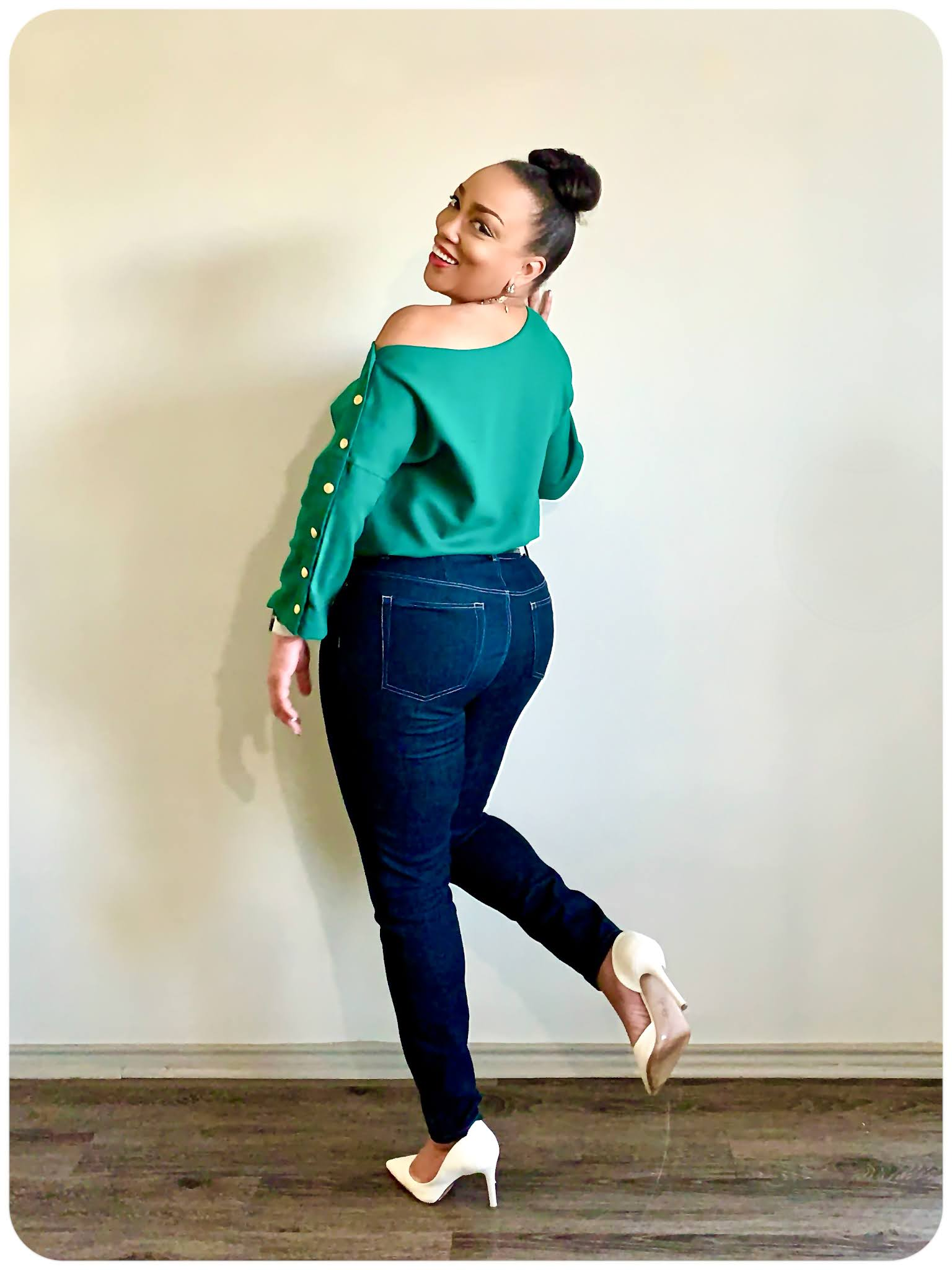 Simplicity 8693 - Off the Shoulder Button Sleeve Top - Erica Bunker DIY Style!