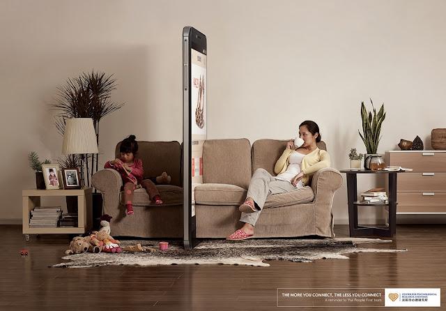 keburukan telefon pintar, kesan buruk telefon pintar, kesan buruk teknologi komunikasi, hubungan kekeluargaan menjadi semakin teruk dengan teknologi, telefon pintar pintarkah anda,
