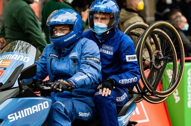 Shimano seguirá como asistencia neutra de la Vuelta a España hasta 2024