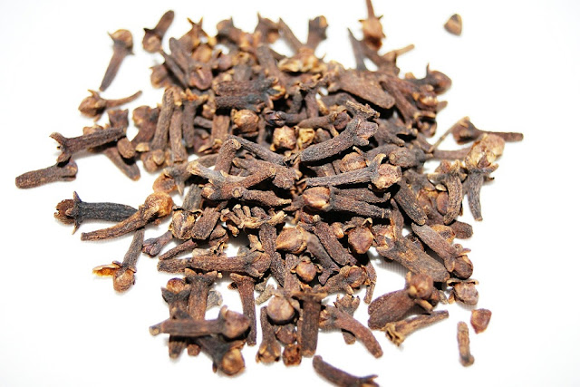 Cloves (Laung) Benefits for Health, Skin, Hair