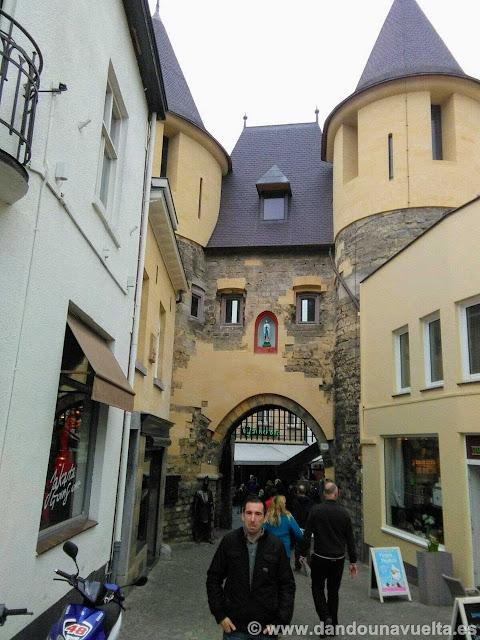 Puerta medieval en Valkenburg