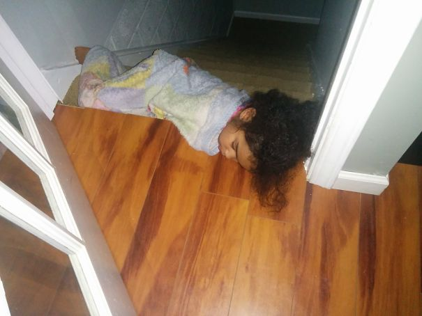 15+ Hilarious Pics That Prove Kids Can Sleep Anywhere - Napping At The Top Of The Stairs
