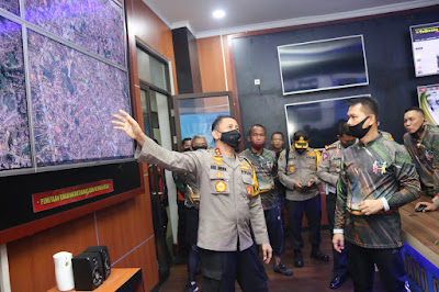 Kapolda Jambi Terima Kunjungan Silaturahmi Kapolda Sumsel di Mapolda Jambi