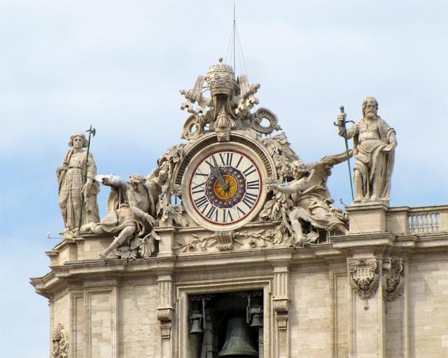 Italian Clock by Giuseppe Valadier, Basilica di San Pietro (St. Peter's Basilica), Piazza San Pietro Saint Peter's Square, Vatican City, Rome