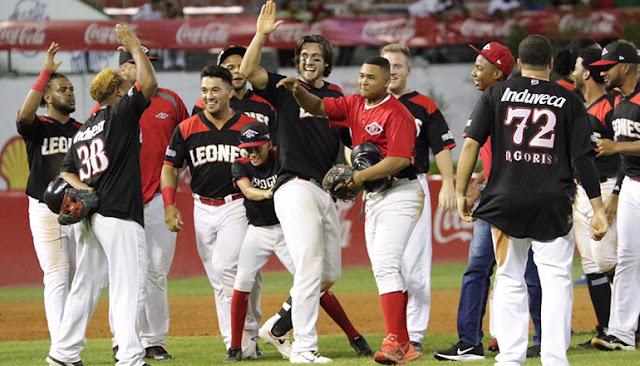 Leones solos en el segundo lugar del béisbol dominicano