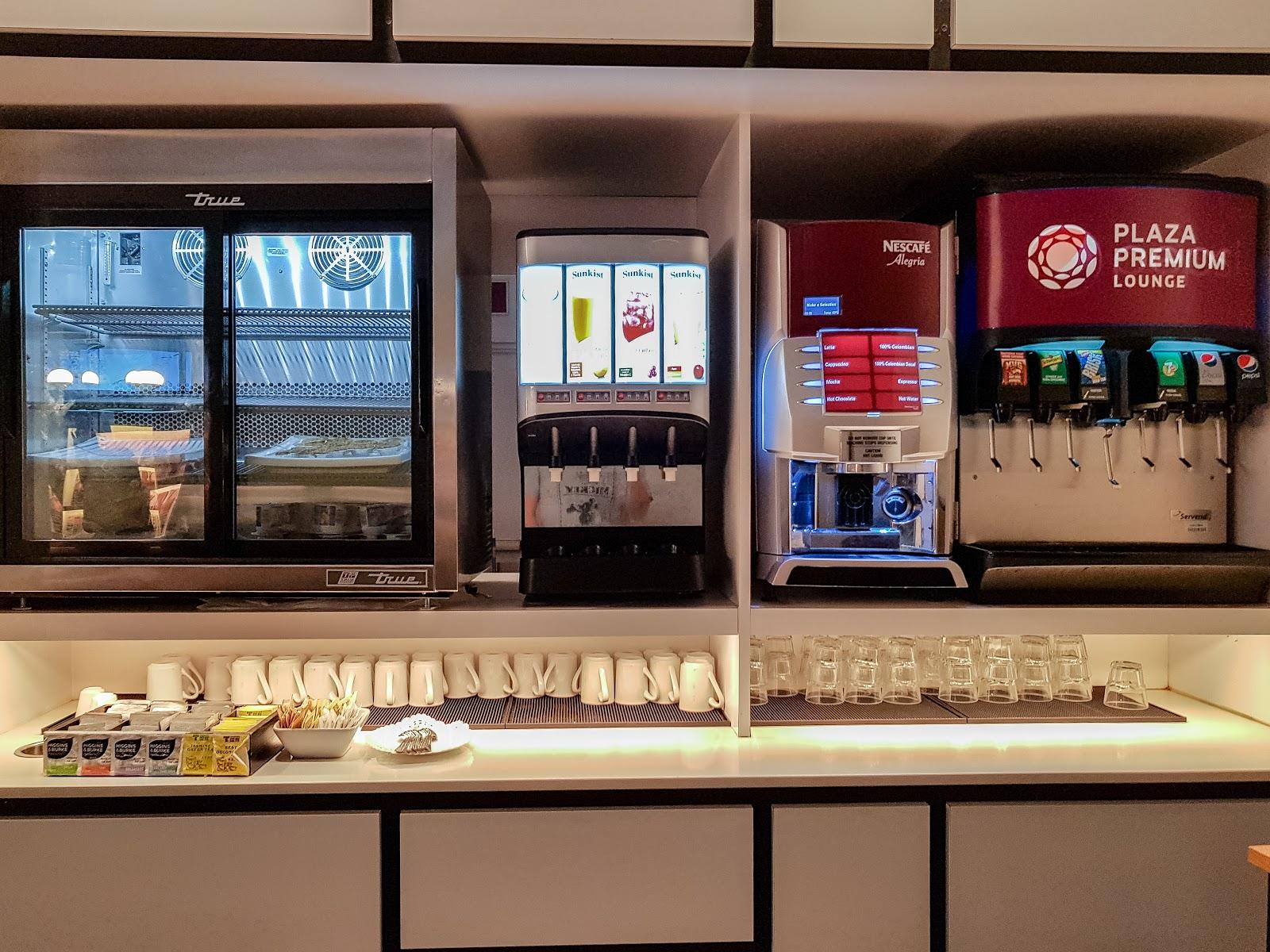 YYZ |多倫多機場第一航廈 環亞貴賓室 Plaza Premium Lounge