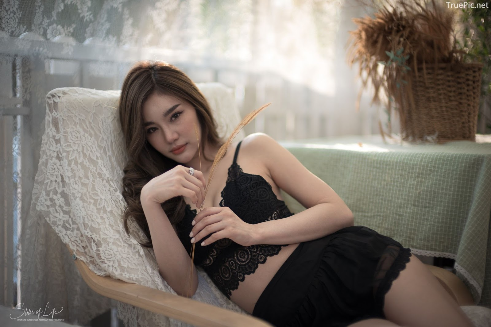 Thailand model - Jarunan Tavepanya - Charming black rose for Valentine day