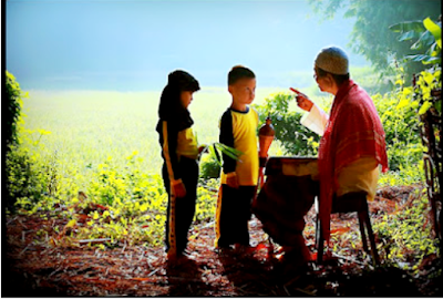 """4 Nasehat Guru yang """"Terdengar Biasa"""" Namun Sangat Bermakna Bagi Para Siswa"""