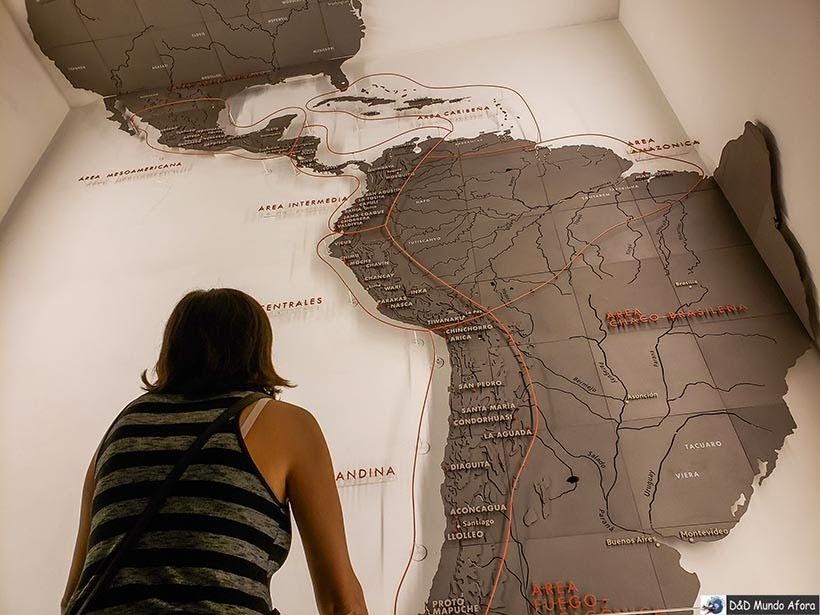Divisão das áreas de exposição do Museu Chileno de Arte Pré-colombiana em Santiago