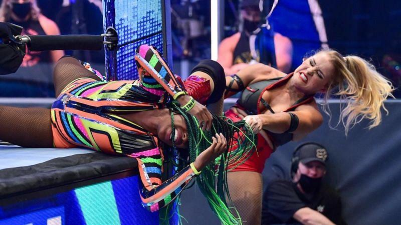 Naomi explains unfortunate botch on WWE SmackDown
