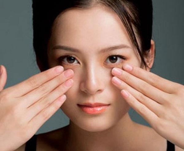 Massage làm căng da mặt biện pháp đơn giản nhưng hiệu quả