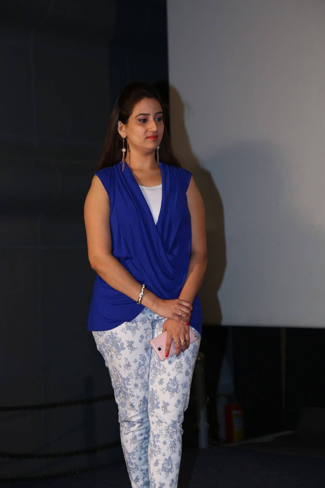 Tollywood Tv Anchor Manjusha Hot Smiling Face In Blue Top White Pant
