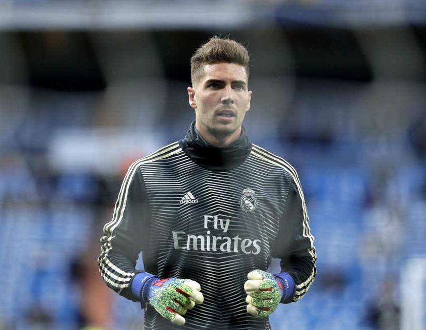 Bố làm to, con trai Zidane vẫn không có cửa ở lại Real