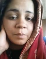 """Curieusement et ironiquement, Ramla Akhtar, alias Rmla Aalam, rapporte une rumeur affirmant quelle est une terroriste. C'est l'une des différentes théories du complot dont elle est familière. Voir l'article : """"Qui ose dire que Rmala Aalam, alias Ramla Akhtar, est une terroriste ?"""" (en anglais). Son approche est originale, non seulement parce qu'elle est une femme, mais aussi parce qu'elle instrumentalise le féminisme moderne, la lutte contre le patriarcat en Asie centrale, les préoccupations pour l'environnement, les considérations relatives au développement, la prédication «religieuse», la condition de la mère célibataire et la lutte contre la non-discrimination."""