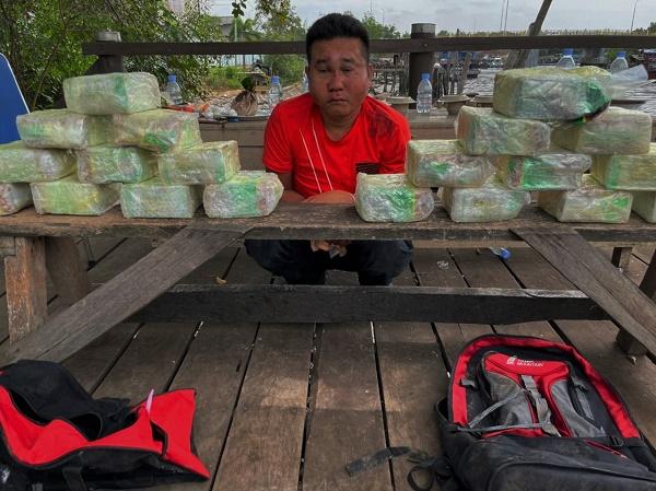 Tim Khusus Ditresnarkoba Polda Kepri Amankan 20 Kg Sabu dari Malaysia