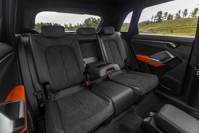 Novo Audi Q3 2020 (Brasil) - espaço traseiro