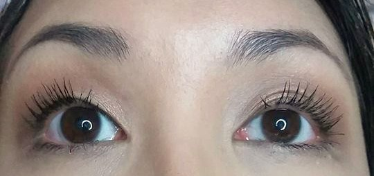 f59dc89a5eb Beautifully Noteworthy: Dupe Alert - Benefit Roller Lash vs ...