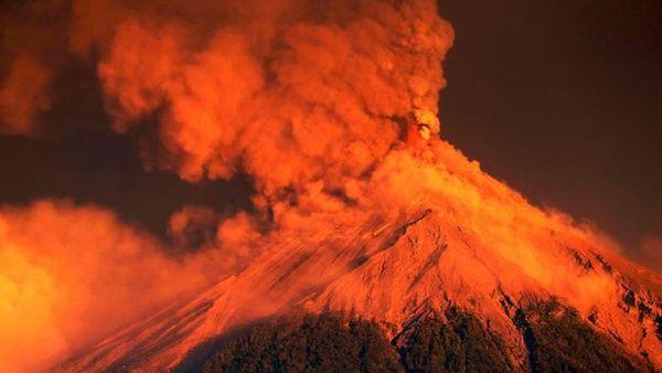 4.000 evacuados por erupción de volcán de Fuego en Guatemala