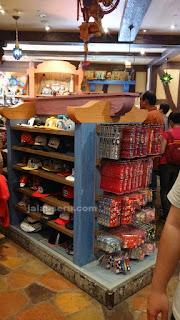 Suvenir Dan Oleh-Oleh Dari Disneyland Hong Kong