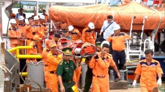 Trung Quốc mở miệng nói tiền và bỏ mặc tàu cá Việt Nam gặp nạn