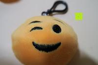 """zwinkern: Smakey®2""""mini Emoji Gesicht Express Plüsch Spielzeug Schlüssel Kette Tasche Zubehör Satz von 7"""
