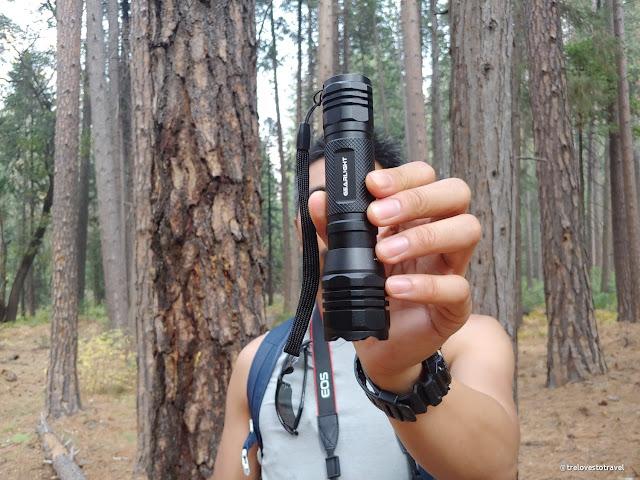 Caming flashlight hiking flashlight with zoom lens